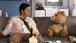 Stasera-in-tv-su-Italia-1-Ted-con-Mark-Wahlberg-5